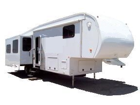 door side view of fifth wheel